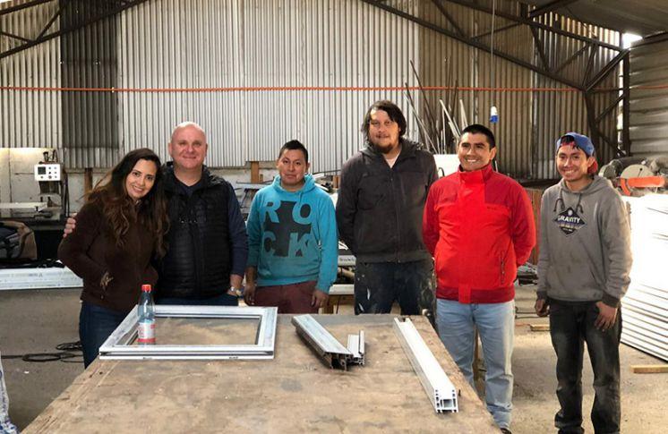 Capacitaciones a clientes en TECNOCOM PERFILES CHILE
